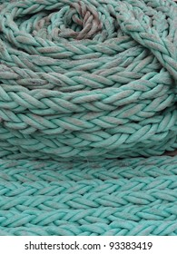 close up photo of green rope