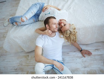 Close up portrait of happy smiling couple