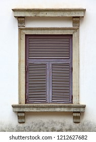Close up of Portuguese era building facade with Corinthian style window of 17th century in Old Goa, India