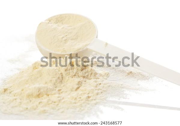 Nahaufnahme von Eiweißpulver und Bruchkerbe