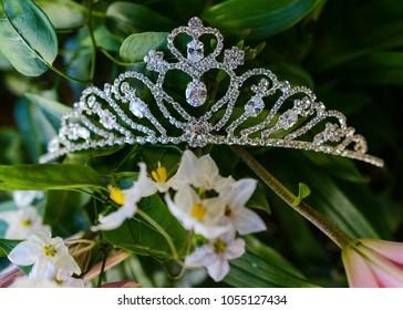 close up of quinceanera tiara