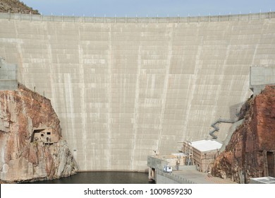 close up of Roosevelt Dam wall at Roosvelt lake in Arizona