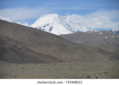 Close to Tajik border in the Pamir mountains, M41 Pamir Highway, Kyrgyzstan