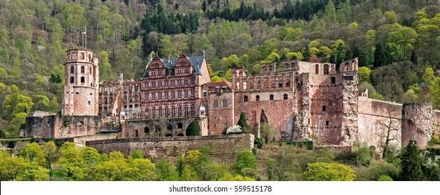 Nahaufnahme der alten Ruine und des Schlosses Heidelberg in Deutschland
