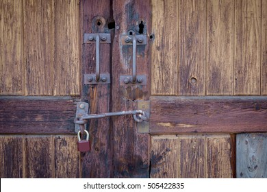 Close up view old wooden locked gate (barn door doors entry) with & Hasp And Staple Images Stock Photos \u0026 Vectors | Shutterstock