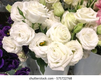 Close up of a white rose bouquet