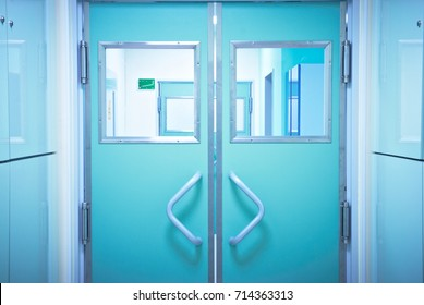Closed doors in the operating room