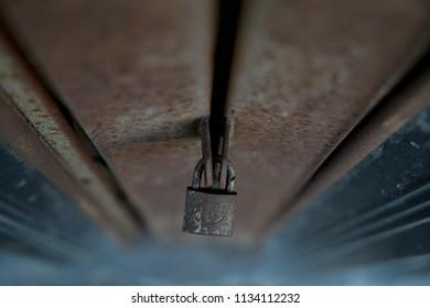 Closed metal lock door security protection padlock