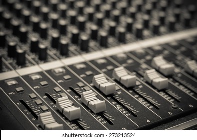 closeup audio mixer
