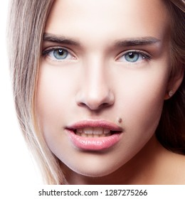 White Spots in Mouth Images, Stock Photos & Vectors | Shutterstock