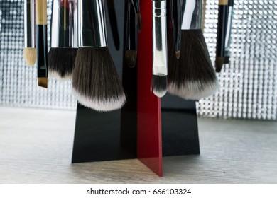 Close-up Brush through the use of various sizes.(shllow DOF)