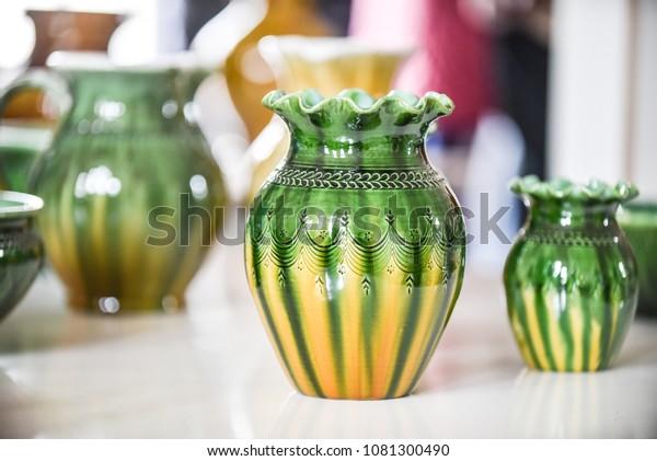 closeup-fragment-ceramic-vase-folk-600w-