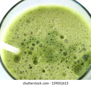 Close-up of the green vegetable juice in the glass