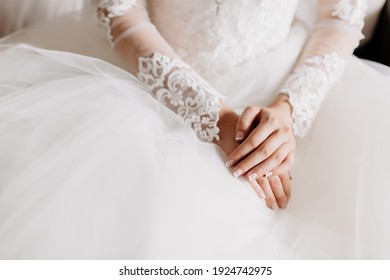 Close-up Hands of the bride before wedding