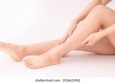 Close-up of the legs of a Japanese woman in the room