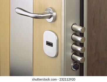 Exceptionnel Close Up Look At Home Door High Security Lock