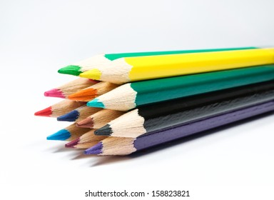 Close-up picture of colored pencils.