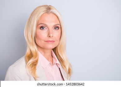 Close-up portrait of her she nice attractive charming lovely stylish content calm candid wavy-haired lady human resourses manager executive director isolated over light white gray pastel background
