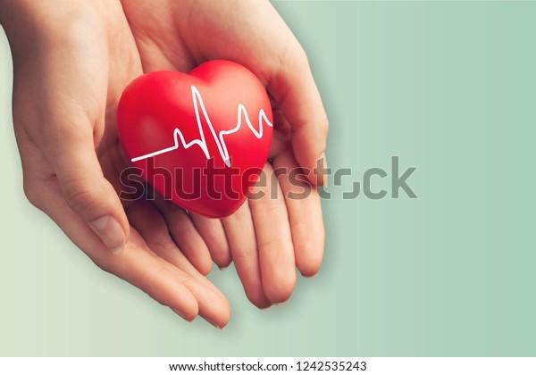 Photo De Stock De Gros Plan Sur Un Coeur Rouge Modifier