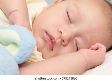close-up, sleeping baby on the bed, grow up brain when baby slee