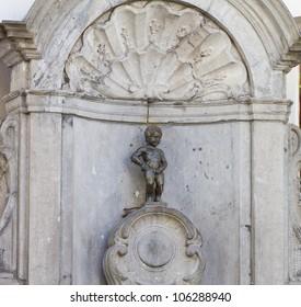 closeup view of Manneken Pis statue in Brussels