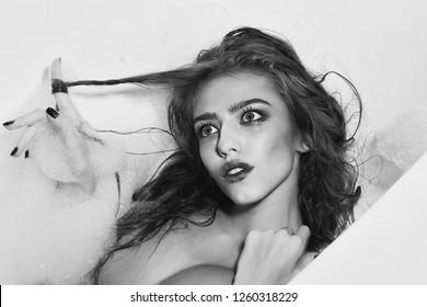flirting signs for girls images black and white black background