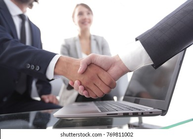 closeup.handshake financial partners i