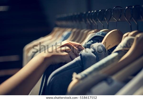 洋服屋衣装ドレスファッションストアスタイルコンセプト