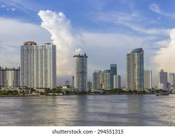 Cloud  with Blue sky in evening at Bangkok city, thailand