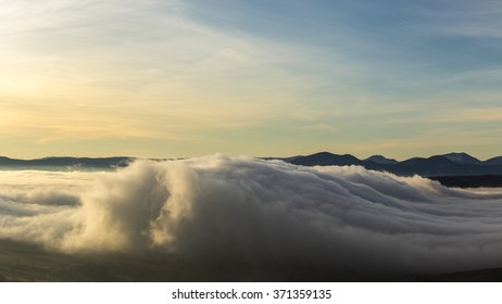 cloud formation like a sea wave