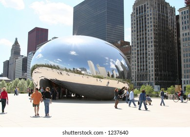 Cloud Gate in Chicago's Millennium Park