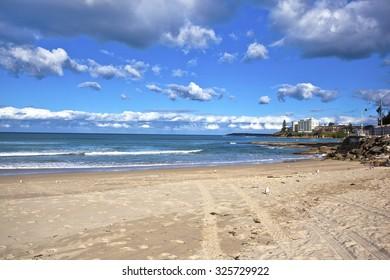 Cloudy Cronulla beach