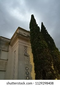Cloudy day and arquitecture