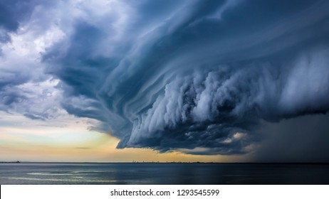 cloudy , dusty and dangerous Tornado with extreme weather situation .