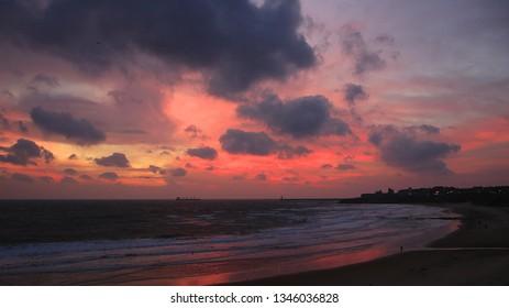 Cloudy sunrise on Tynemouth Longsands beach