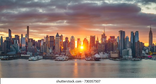 Cloudy sunrise over Manhattan, New York