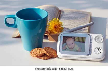 The clouse-up baby monitor for security of the baby on the table