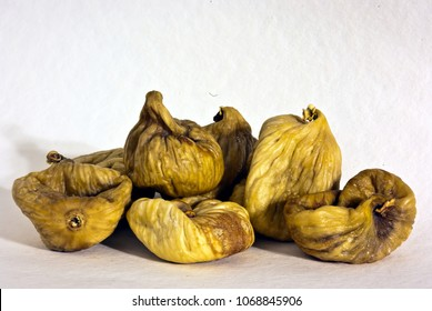Cluster of dried figs