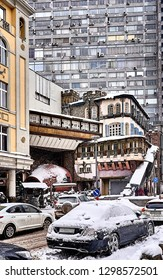 Clutter the streets with different architectural styles
