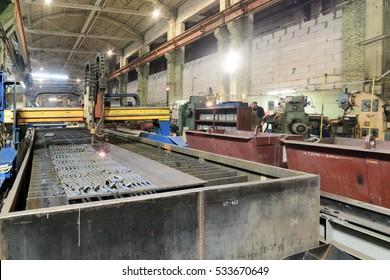 CNC gas cutting machine oxy acetylene cutting steel sheets.