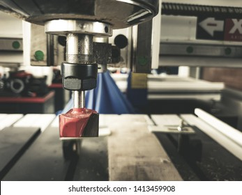 The CNC milling machine for materiel and wood work