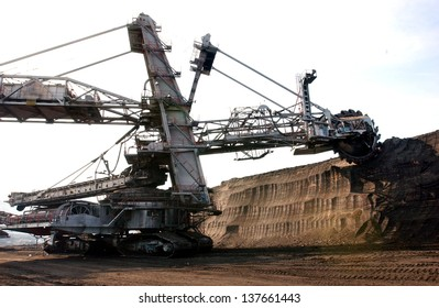 coal excavation on the surface mine
