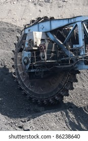 Coal extraction in a cut