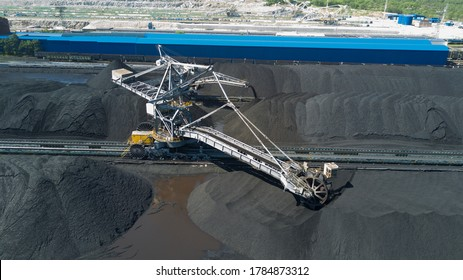 Coal loading and sorting equipment preparing the coal ready for exporting to countries around the world