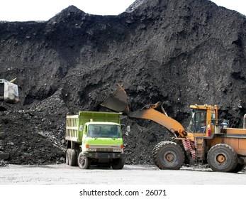 Coal loading at stockpile or coal terminal