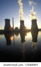 Coal-fired John Amos Power Plant on Kanoa River, WV