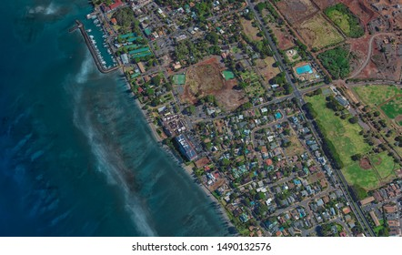 coast of Lahaina Hawaii USA, bird's eye view in 3D