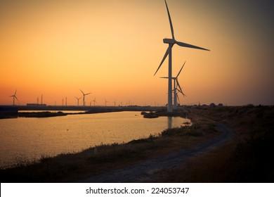 Coastal wind power