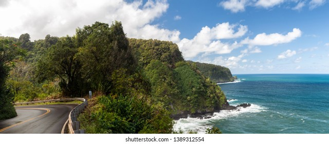 Coastline of the Hana Highway, Maui, Hawaii