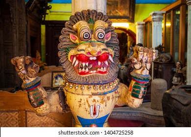COCHIN, INDIA - MARCH 14, 2012: Souvenir shop at the market street in Fort Kochi in Cochin city, India